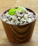 mistura de arroz preto e branco selvagem Fotos de Stock