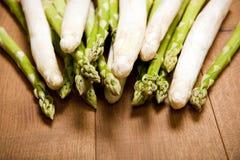 Mistura de aspargo verde e branco Fotografia de Stock Royalty Free