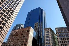 Mistura de edifícios velhos e novos fotos de stock royalty free