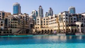 Mistura de estilos arquitectónicos em Dubai do centro Imagens de Stock