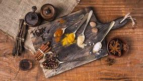 Mistura de sementes e de especiarias coloridas Foto de Stock