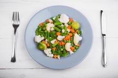 Mistura deliciosa de vegetais na placa Vista de acima Imagem de Stock