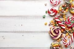 Mistura dos pirulitos e dos doces Fotos de Stock Royalty Free