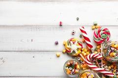 Mistura dos pirulitos e dos doces Fotografia de Stock Royalty Free