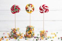 Mistura dos pirulitos e dos doces Imagens de Stock Royalty Free