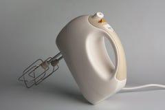 Misturador de alimento elétrico com batedores Imagens de Stock