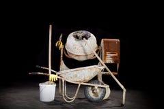 Misturador de cimento com carrinho de mão Imagens de Stock