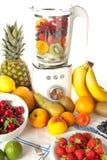 Misturador e fruta imagens de stock royalty free