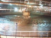 Misturador enorme no metallurgia imagem de stock royalty free