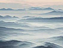 misty βουνά στοκ εικόνα