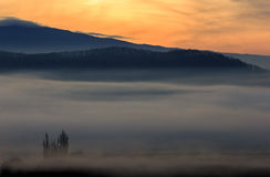 Misty πρωί ανατολής Στοκ φωτογραφίες με δικαίωμα ελεύθερης χρήσης