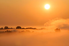 Misty σκηνή πρωινού Στοκ φωτογραφία με δικαίωμα ελεύθερης χρήσης