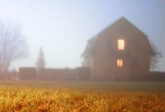 misty σκιαγραφία σπιτιών Στοκ Εικόνες