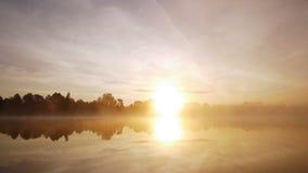 Misty Autumn Morning On Lake lager videofilmer