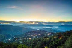 Misty Blue Hour des Bergwerk-Ansicht-Parks Stockbild