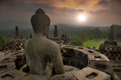 Misty budha temple Royalty Free Stock Images