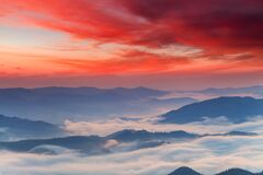 Misty Dawn In The Mountains. Beautiful Landscape Royalty Free Stock Image