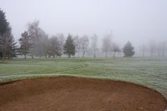 Misty Golf Course Bunker royalty-vrije stock afbeeldingen