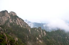 Misty Huangshan Mountains Royalty-vrije Stock Fotografie