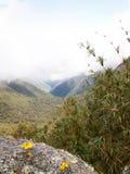 Misty Incan Valley Lizenzfreie Stockbilder