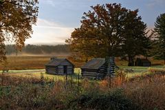 Misty Morning al parco storico nazionale della forgia della valle Fotografie Stock