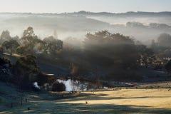 Misty Morning bij Hahndorf-Heuvel, Zuid-Australië Stock Afbeelding