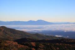 Misty Mountain en la mañana imagen de archivo libre de regalías