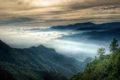 Misty mountain valley Royalty Free Stock Photography