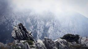 Misty Mountains all'interno delle montagne di Biokovo in Makarska Croazia immagine stock