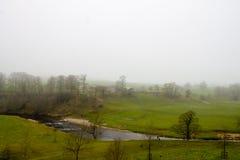 Misty Scenery i Wharfedale Arkivbilder