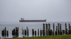 Misty Ship no mar Imagens de Stock