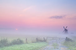 Free Misty Sunrise On Dutch Farmland Stock Photos - 32567693