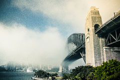 Misty Sydney Harbour Bridge Arkivbild