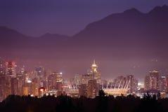Misty Twilight, de Horizon van Vancouver stock foto