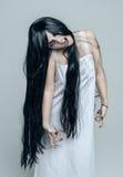 Mistyczna piękna gniewna krzycząca kobieta Zdjęcia Royalty Free