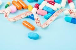 Misura e medicina di nastro colorate Fotografia Stock