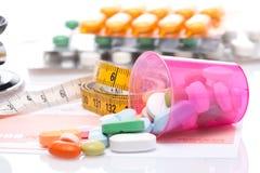 misura e pillole di nastro Immagine Stock Libera da Diritti