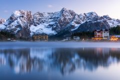 Misurina Lake, on Dolomites Italian Alps seen at sunrise. Sora. Piss mountain in the background. South Tyrol, Dolomites, Italy Stock Photo