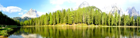 Misurina lake panorama in the background Dolomiti mountains in Cortina d'Ampezzo, northern Italy Stock Photography