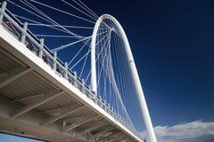 Mit Brücke Stockfoto
