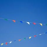 Mit dem Kopfe stoßen auf blauem Himmel Lizenzfreie Stockbilder