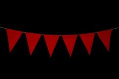 Mit dem Kopfe stoßen, sechs rote Dreiecke auf Schnur für Fahnenmitteilung Lizenzfreie Stockbilder