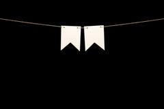 Mit dem Kopfe stoßen, zwei weiße Formen auf Schnur für Fahnenmitteilung Lizenzfreie Stockbilder