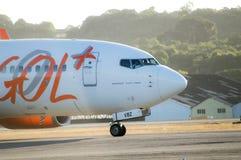 Mit einem Taxi fahrender Gol Airlines Boeing 737 Lizenzfreie Stockfotografie