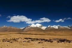 Mit einer Kappe bedeckte Berge der Hochebene Schnee Stockfotos