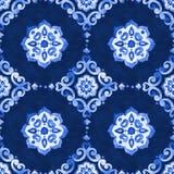Mit Filigran geschmücktes nahtloses Muster des Aquarellkönigsblaus Lizenzfreie Stockbilder