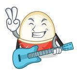 Mit Gitarre Rambutanmaskottchen-Karikaturart Stockfotografie