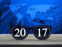 2017 mit Gläsern, Elemente dieses Bildes geliefert von der NASA Stockbild
