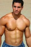 Mit nacktem Oberkörper Bodybuilder Stockbild