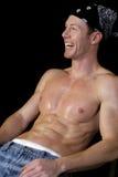 Mit nacktem Oberkörper Mann-Lachen Stockfoto